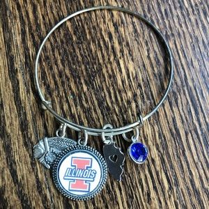 University of Illinois ▫️ cute dangle bracelet